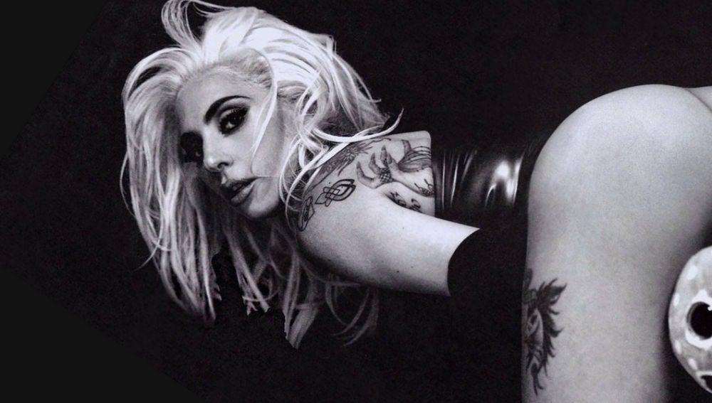 Lady Gaga en la sesión de fotos de Eli Russell Linnetz