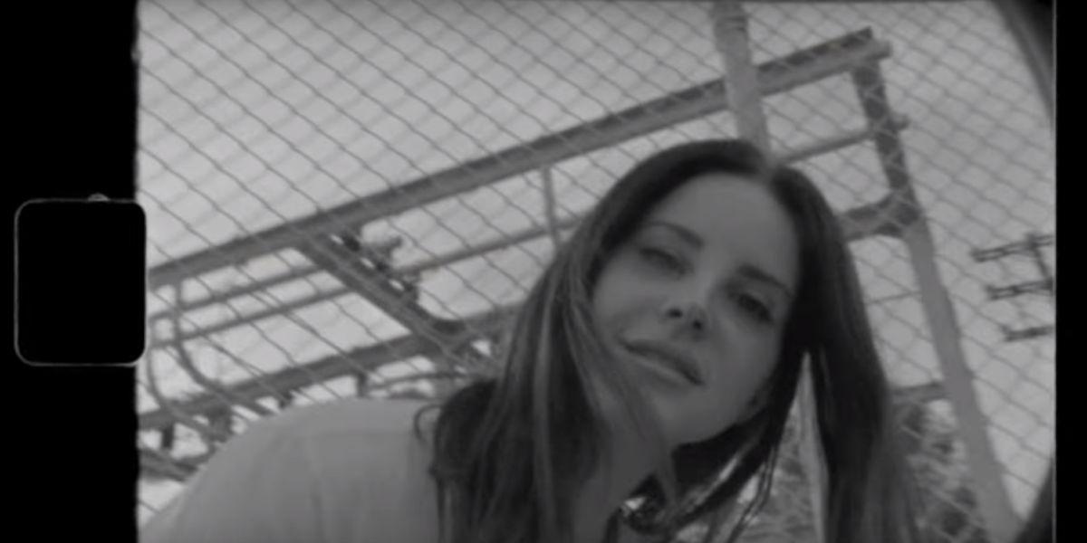 Lana del Rey en el videoclip 'Mariners Apartment Complex'