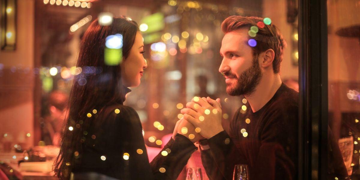 Una pareja en una cita