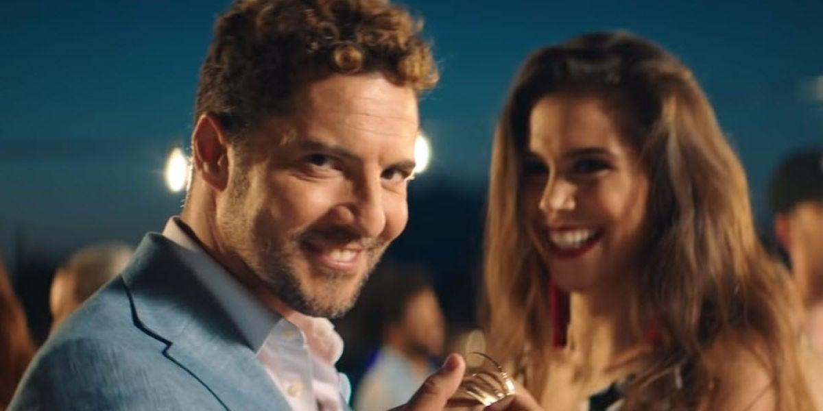 David Bisbal y Greeicy en el videoclip de 'Perdón'