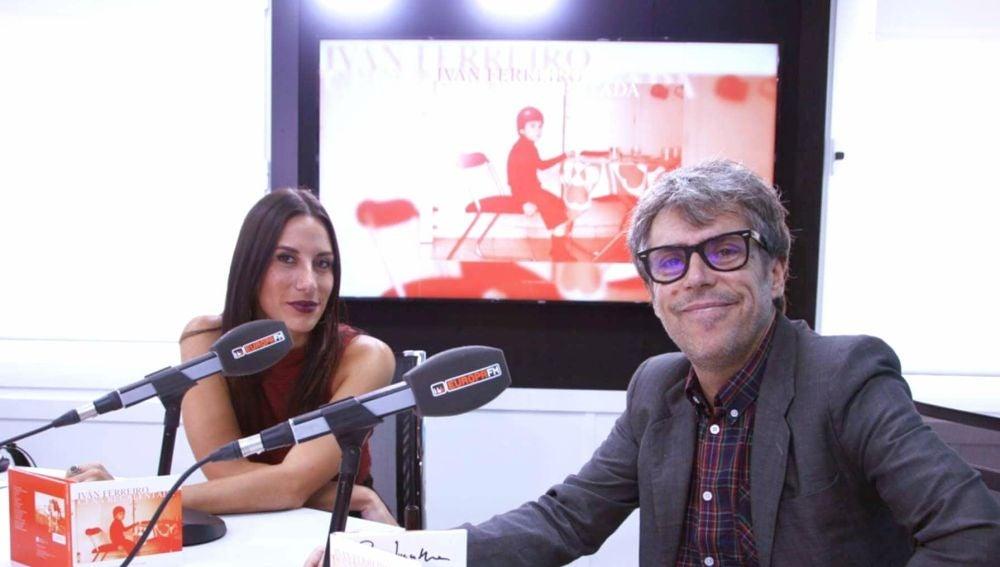 Iván Ferreiro en su Facebook Live con Europa FM presentando 'Cena Recalentada'