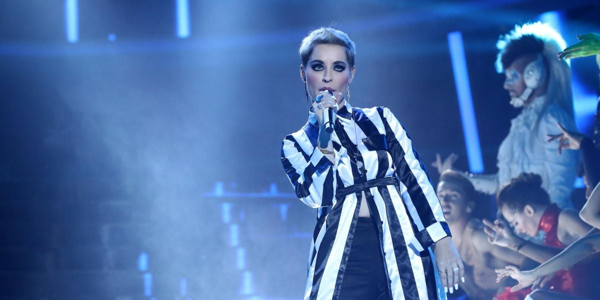 Soraya Arnelas llena el plató de ritmo con el exitazo 'Swish, swish' de Katy Perry