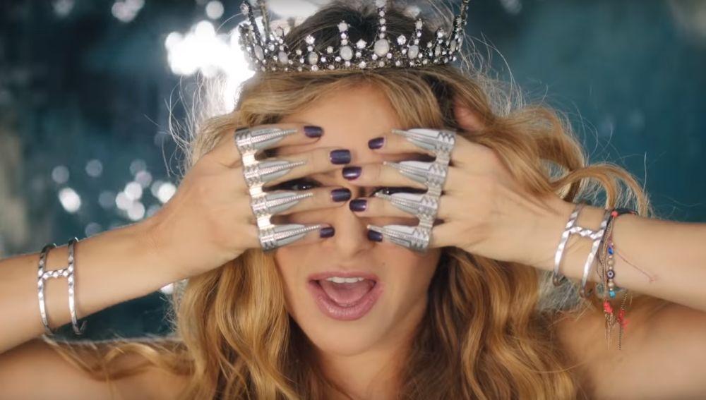 Paulina Rubio en el videoclip de 'Suave y Sutil'
