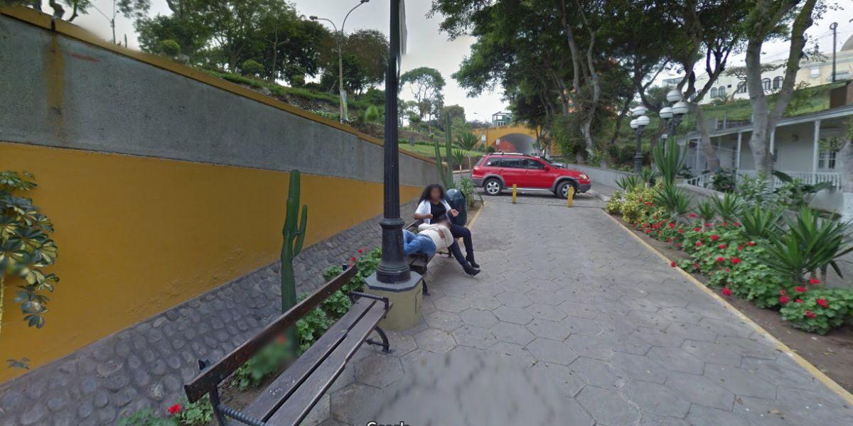 Una pareja de amantes pillados por Google Maps