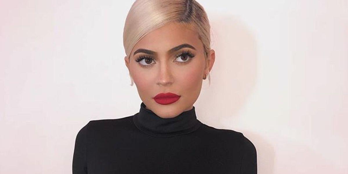 Kylie Jenner antes de volver a retocarse los labios