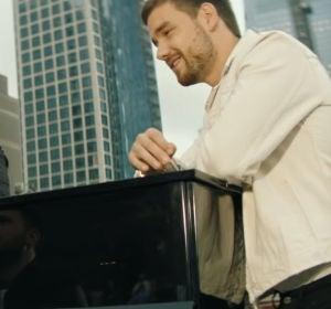 Jonas Blue, Lennon Stella y Liam Payne en el videoclip de 'Polaroid'