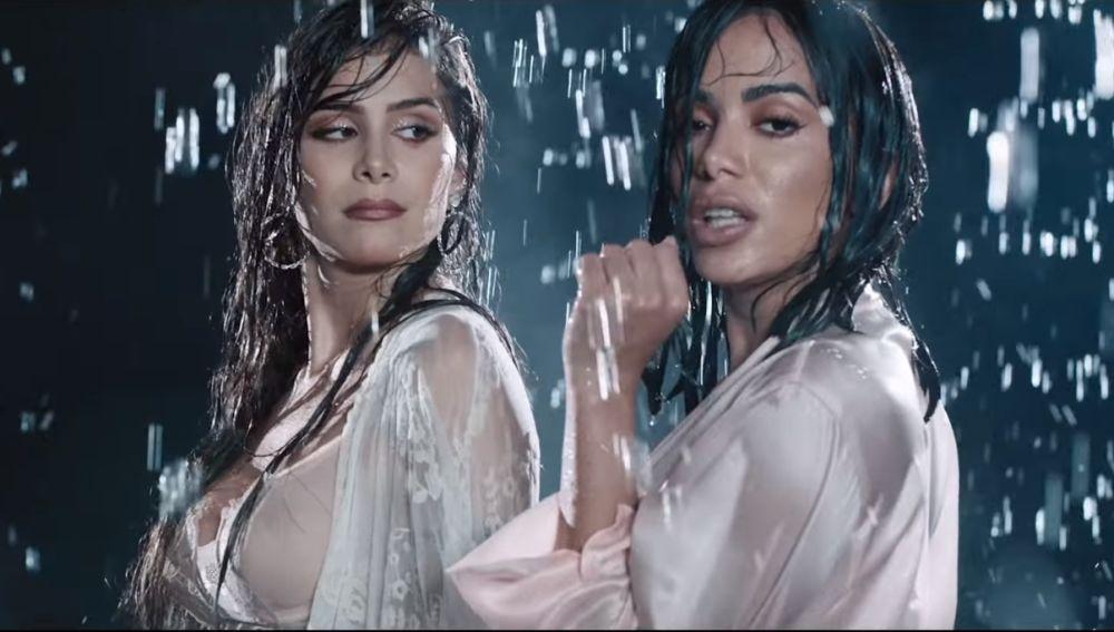 Greeicy y Anitta, muy sensuales en el vídeo de 'Jacuzzi'