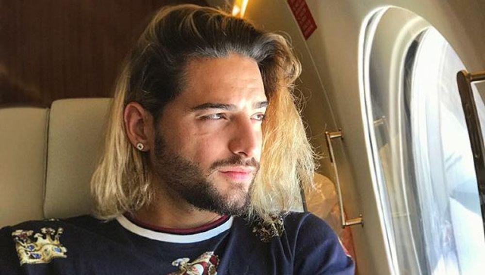 Maluma en su jet privado