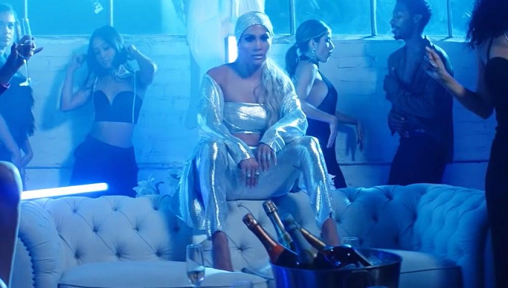 Jennifer Lopez en el videoclip de 'Te Boté 2'