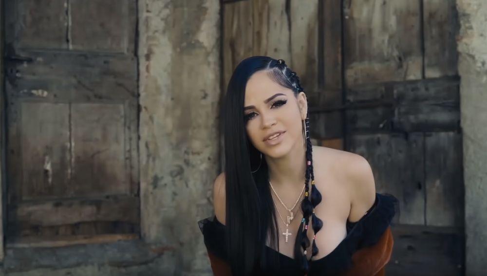 Natti Natasha en el vídeo de 'Lamento tu pérdida'