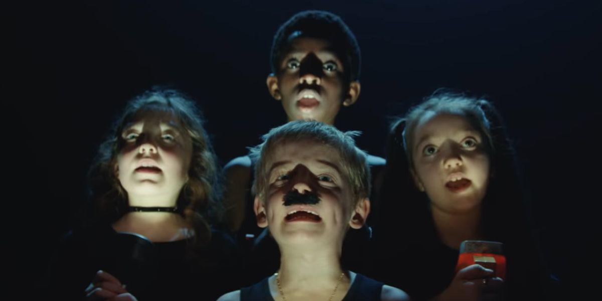El anuncio viral de unos niños parodiando 'Bohemian Rhapsody