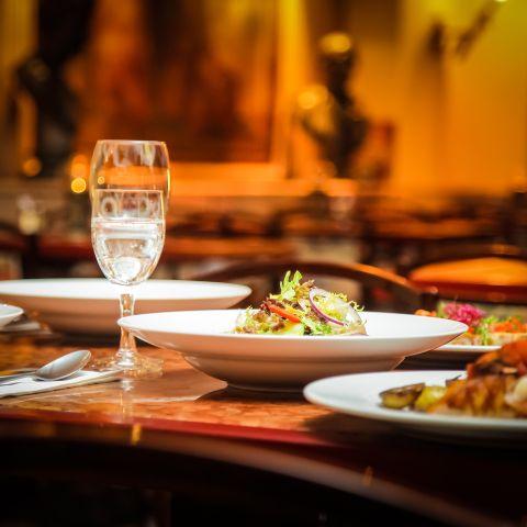 Desconfía de los restaurantes limpios: siempre hay espacio para la mugre.