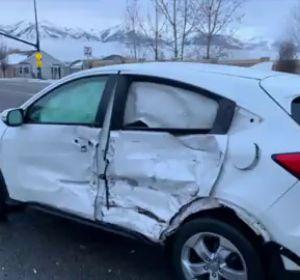 Vídeo: Una adolescente se estrella con el coche mientras conducía con los ojos tapados por el #BirdBoxChallenge