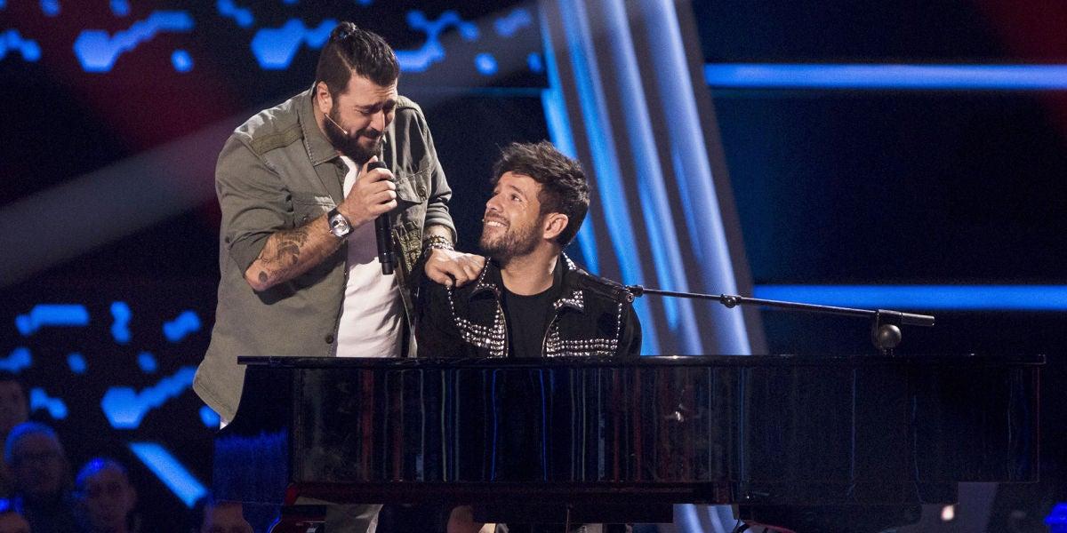 Pablo López y Antonio Orozco llenan el plató de 'La Voz' de emoción con 'No hay más'