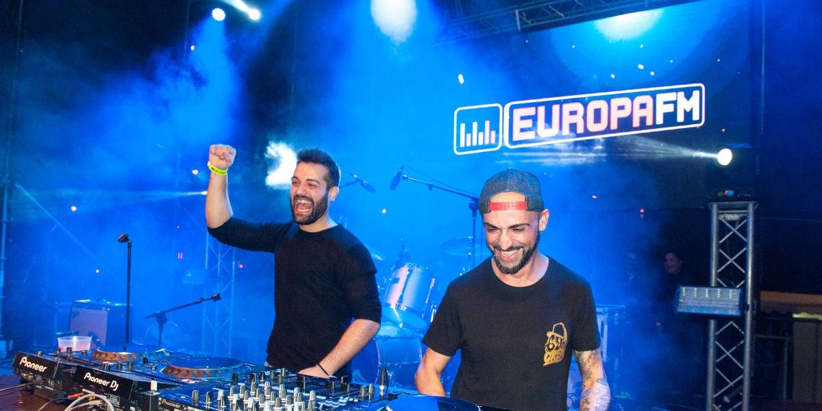 Los DJs Stevan Chaves y Biel Castell con Europa FM en las fiestas de Sant Sebastià 2019