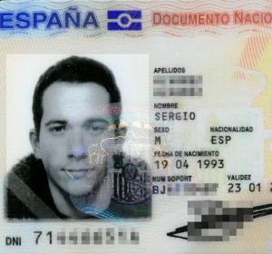 La foto del DNI de Sergio con palillo