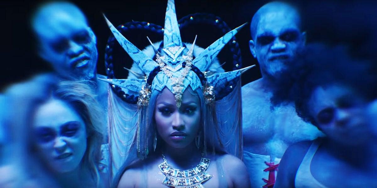 Nicki Minaj en el videoclip de 'Hard White'