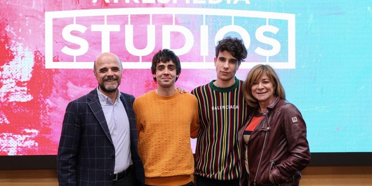 Los Javis firman un acuerdo con Atresmedia Studios