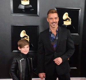 Ricky Martin junto a su hijo