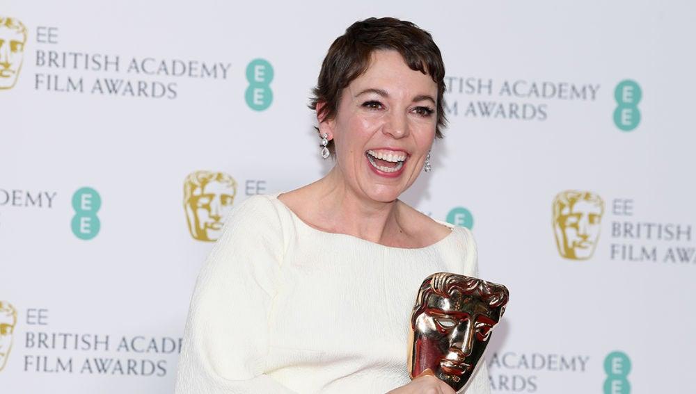Olivia Colman con su Premios BAFTA