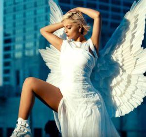Bebe Rexha en el vídeo de 'Last Hurrah'