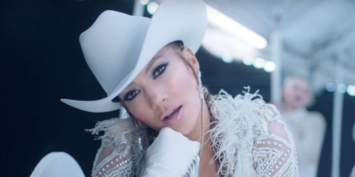 Jennifer Lopez en el videoclip de 'Medicine'