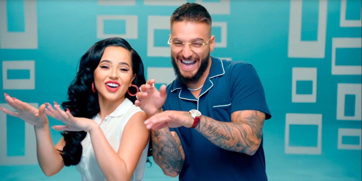 Becky G y Maluma en el vídeo de 'La Respuesta'