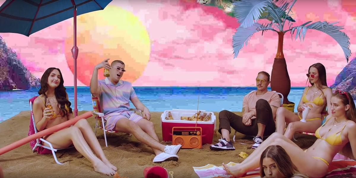 Bad Bunny y Diplo en el videoclip de '200 mph'