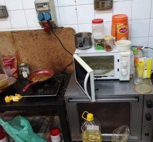 Retiran 86 productos no aptos para el consumo en un local de comida preparada de Barcelona