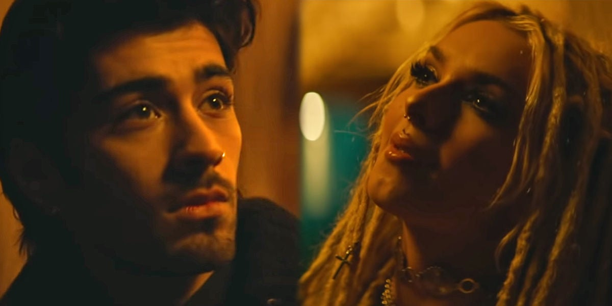 Zayn Malik y Zhavia Ward en el videoclip de 'A Whole New World'