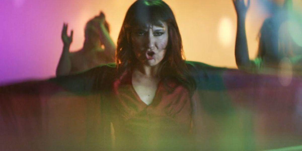 Amaral en el vídeo de 'Mares igual que tú'