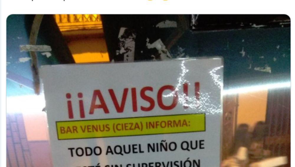 Cartel de un bar de Murcia