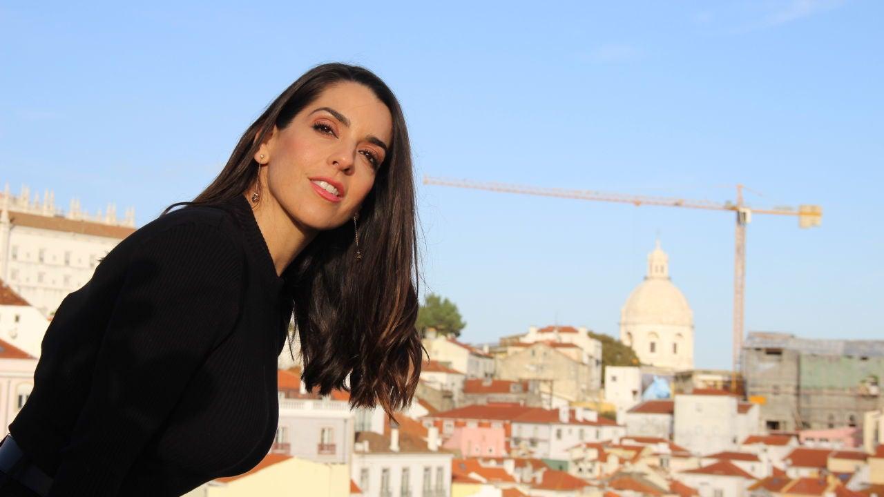 Ruth Lorenzo Le Canta A Sus Vecinos Desde El Balcón