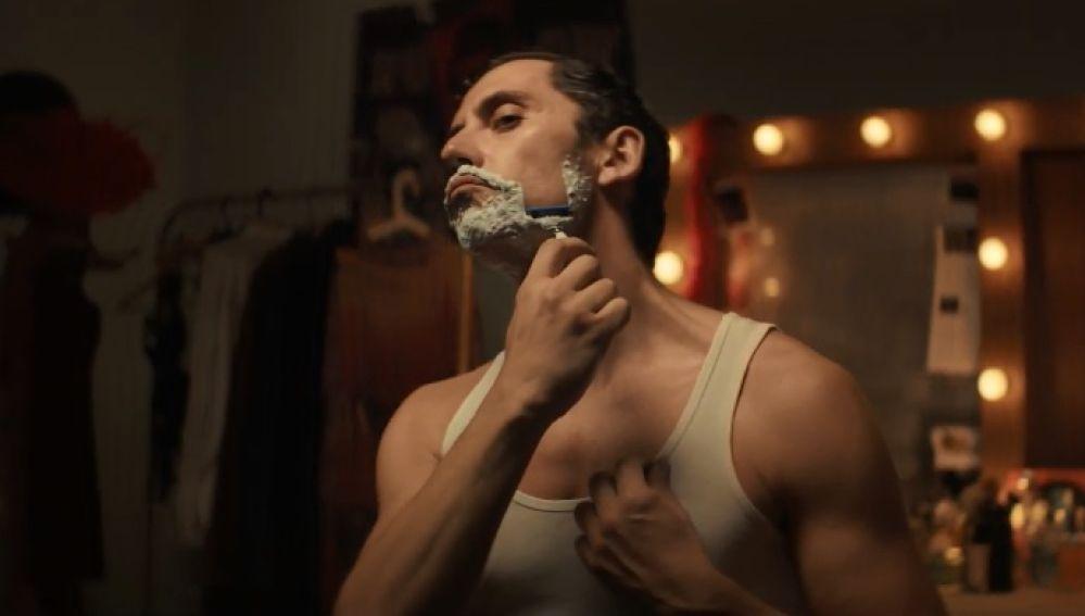 Paco León en el anuncio de Gillette