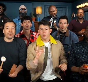 Los Jonas Brothers en el programa de Jimmy Fallon