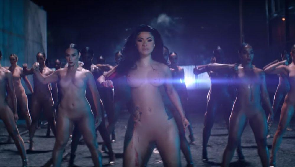 Cardi B en el vídeo de 'Press'