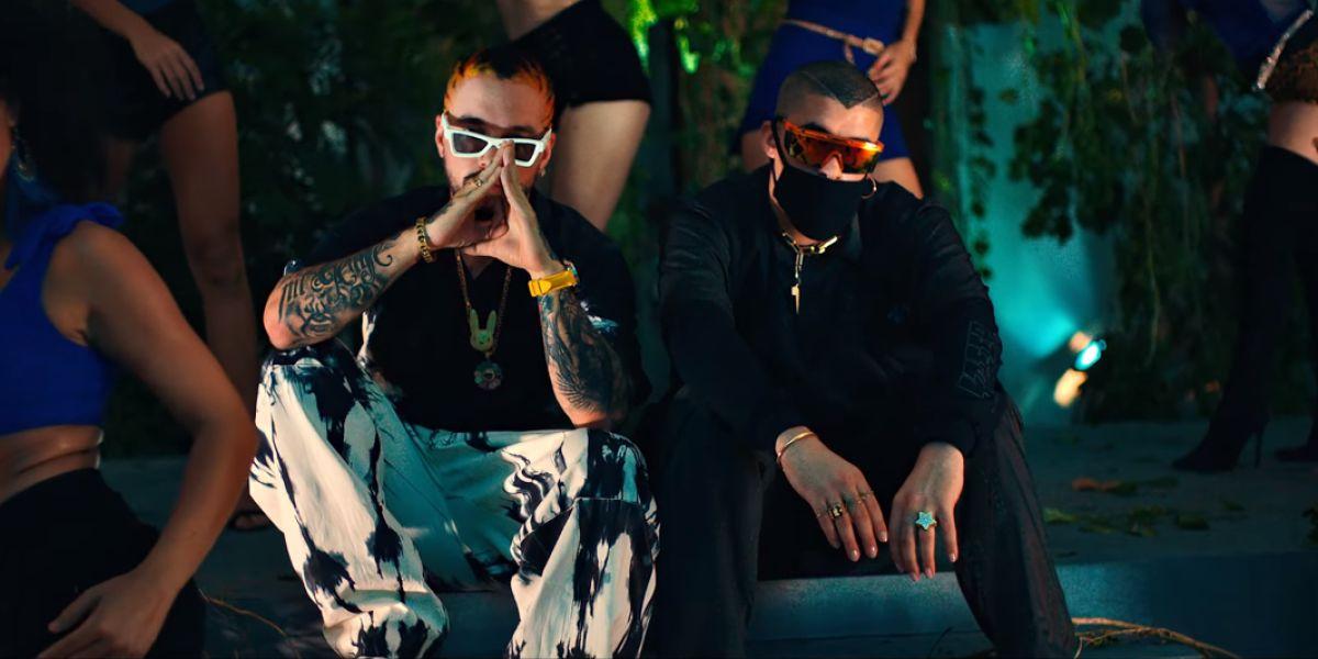 J Balvin y Bad Bunny en el videoclip de 'Qué pretendes'