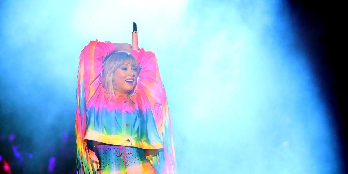 Taylor Swift en una actuación