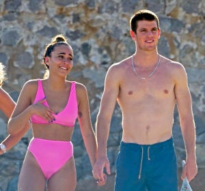 Aitana y Miguel Bernardeau en Ibiza