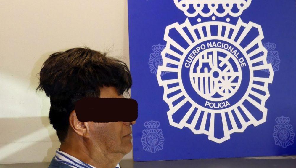 Detenido por ocultar droga bajo su peluquín