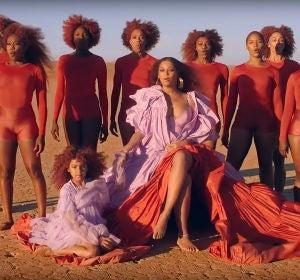Beyoncé y Blue Ivy en el vídeo de 'Spirit'