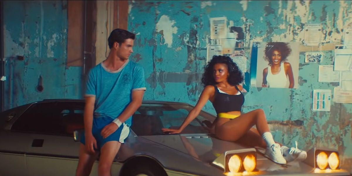 Una pareja de bailarines en el vídeo de 'Higher love' de Kygo y Whitney Houston