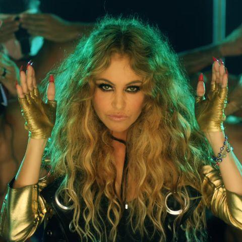 Paulina Rubio en el videoclip de 'Si Supieran'