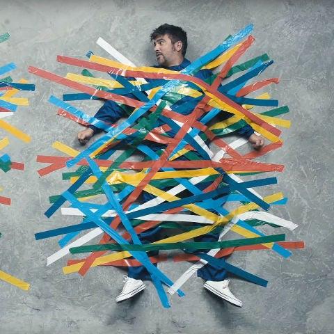 Estopa en el vídeo de 'Atrapado'
