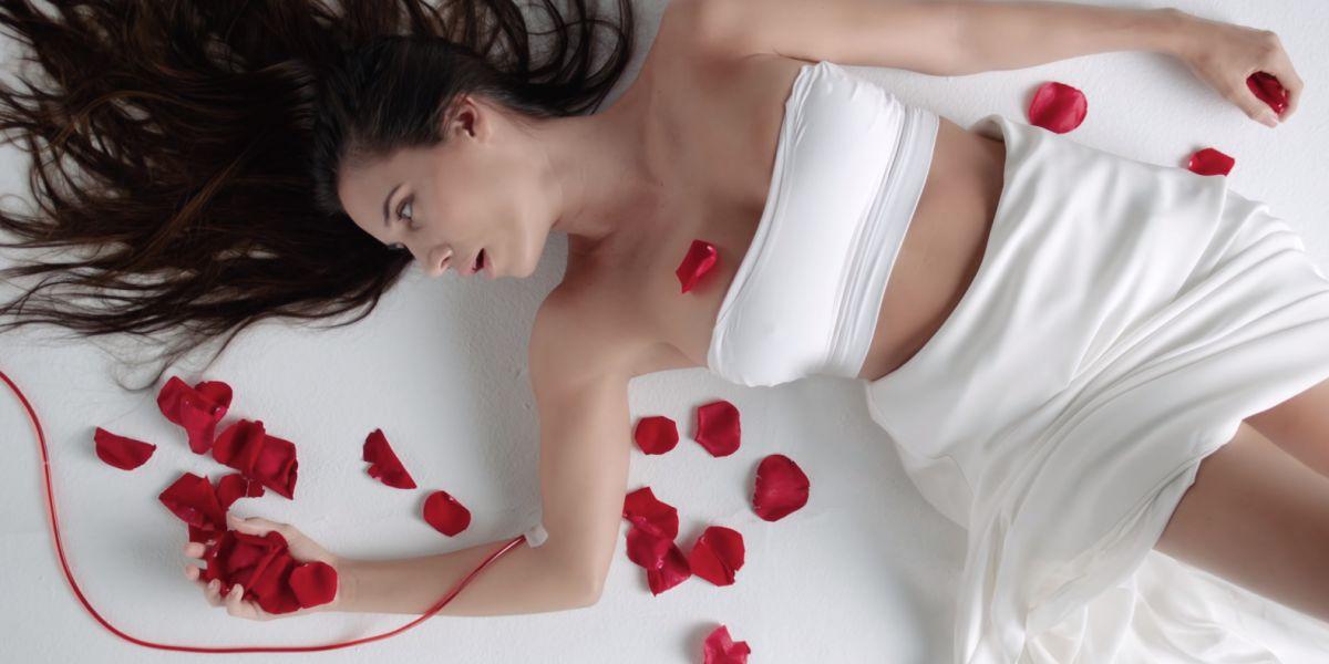 India Martinez en el videoclip de 'Conmigo'