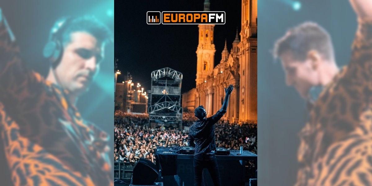 Uri Sabat en el escenario Europa FM en las Fiestas del Pilar