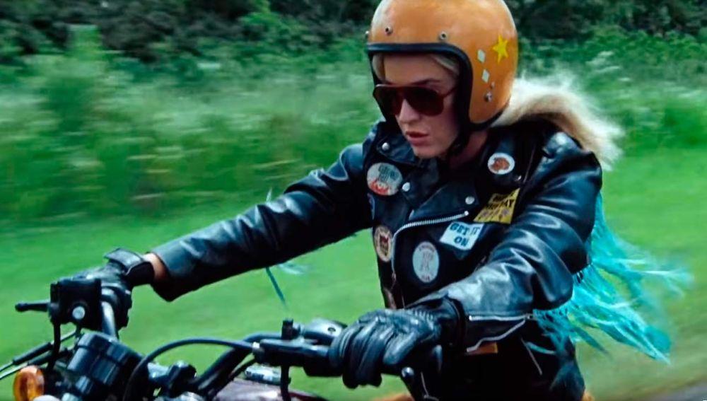 Katy Perry en el vídeo de 'Harleys In Hawaii'