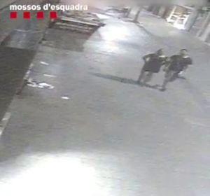 Los Mossos piden ayuda para identificar al autor de un crimen en Sabadell