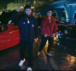 Daddy Yankee y Nicky Jam en el vídeo de 'Muévelo'