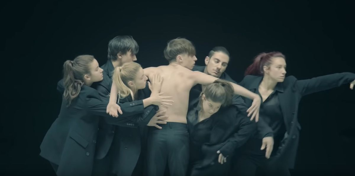 BTS estrena su nuevo single 'Black Swan'